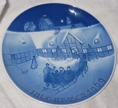 Vintage Bing and Grondahl Blue and White Porcelain Plate 1969 Christmmas Plate