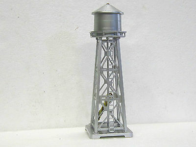 MODEL POWER #2630 N Scale FLASHING WATER TOWER 2 figurines WIRED 2630 New in box