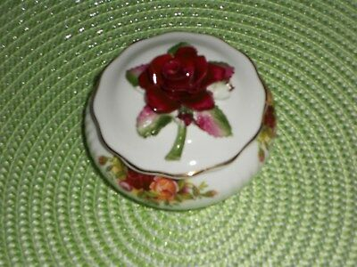 Royal Albert Old Country Roses Trinket Pot undermarked mint approx 8 cm across