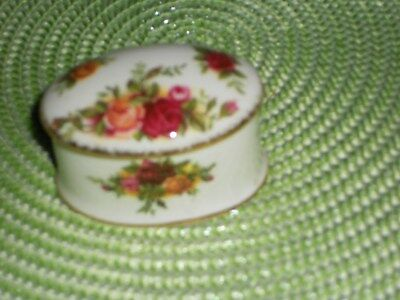 Royal Albert Old Country Roses Trinket Pot undermarked mint approx 6cm across