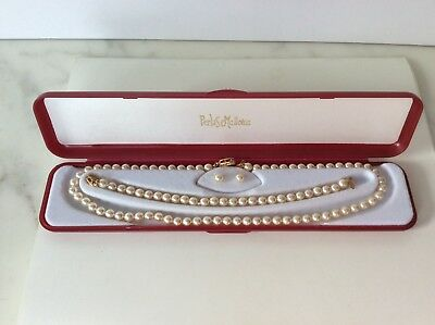 Pearls of Mallorca pearl necklace, pearl bracelet and pearl stud earrings