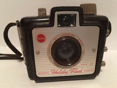 Vintage KODAK Brownie Holiday Flash Camera Made in Canada