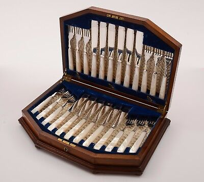 Edwardian Cased Mother of Pearl Fish Set, Circa 1905