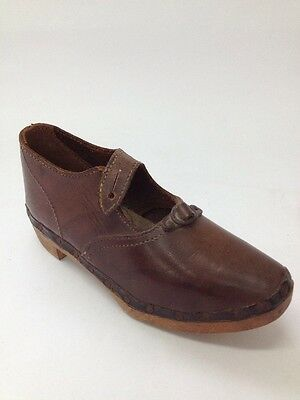 Antique Brown Wooden Leather Handmade Child's Right Clog Shoe (BOX 09)
