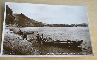 vintage Valentines B/W RP POSTCARD - SALMON FISHERS ON THE TAY AT KINFAUNS,Perth