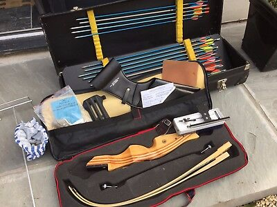 Complete Young Persons Starter Archery Set With Storage, 26lbs Pull