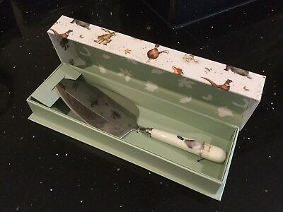 Wrendale Designs Guard Duck cake serving slice gift boxed