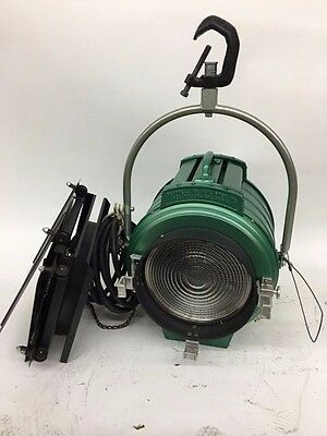 Bardwell & McAlister Junior 2K Fresnel Complete with Door