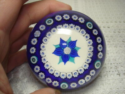 Beautiful Vintage Parabelle Art Glass Paperweight