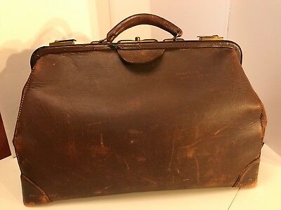 Antique Vintage Doctor Bag Leather No 18670 18 Inch Brass Latches
