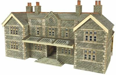 Metcalfe PN920 N Scale Mainline Station Booking Hall