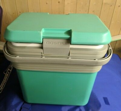 gio style large caryy handle cooler cold box very good condition CHEAP!!
