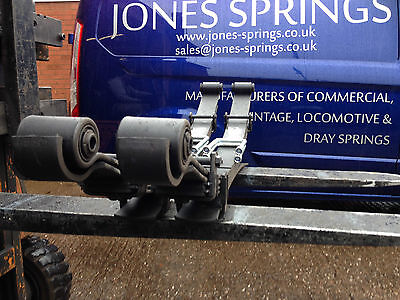 Pair of HEAVY DUTY TOYOTA HILUX 4WD rear 6+2 leaf springs 1997-2005 with U bolts