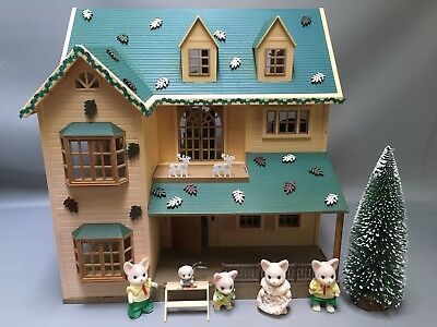 Sylvan Ian Families Decorated House On The Hill Dolls House