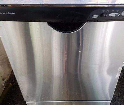 Fisher & Paykel dishwasher very good condition & working order CLEAN!