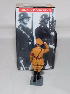 King And Country Lah155 - 1938 Saluting Leader  - Leibstandarte 1:30 Scale