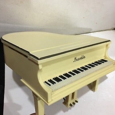 VINTAGE NOVELTY RADIO IN SHAPE Piano By FRANKLIN AM(MW)-BAND FROM THE 1960s1970s