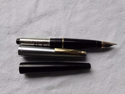 Sheaffer White Dot Fountain Pen 14K Gold Nib Made In Usa,collectable.