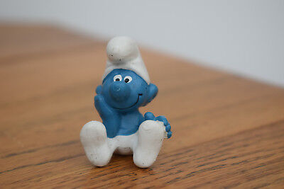 sitting happy thinking smurf collectable collection retro toy original