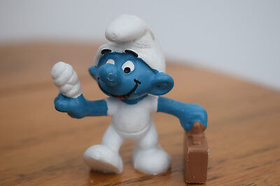 dr medic case first aid smurf collectable collection retro toy original