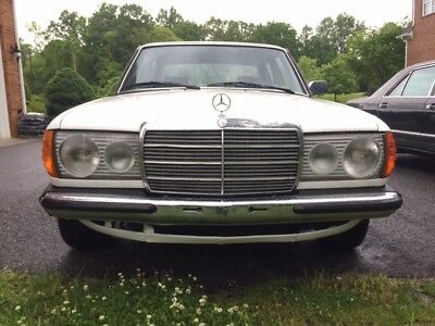 1980 Mercedes-Benz E-Class W123 Mercedes Benz 1980 230e W123 RARE low 60 K miles