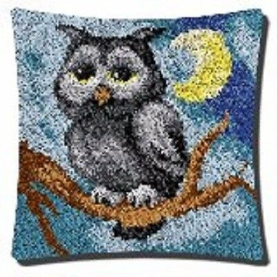 """Latch Hook Complete Cushion Cover Kit""""Grey Owl"""" 43x43cm"""