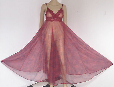 """Vtg Mel's Red Floral Print Nylon Long Flowing 290"""" Full Sweep Nightgown M"""
