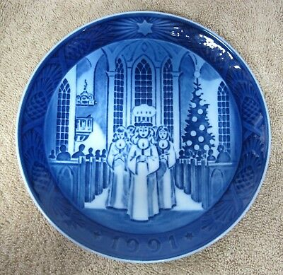 1991 Royal Copenhagen Christmas Plate Denmark Santa Lucia Danish Blue No Box
