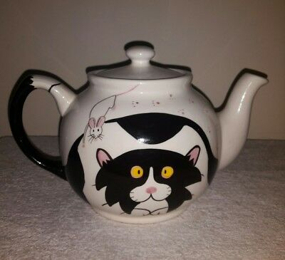 Rayware collector's cat teapot 1970's (black and white, retro /vintage )