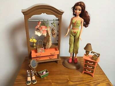 My Scene Chelsea Getting Ready Playset and Doll