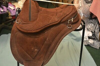Treeless Saddle By Copperbeech Chestnut Colour 2 Girth Straps Used Good Conditio