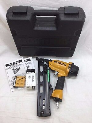 """Bostitch 15-Gauge 1"""" - 2-1/2"""" Industrial Oil-Free Angled Finish Nailer (N62FN)"""