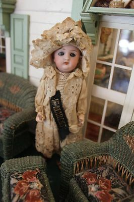"Antique French Doll Je Marche, ""I walk"""