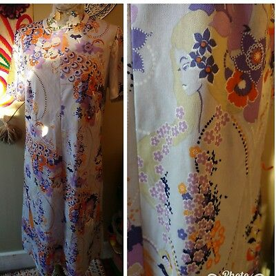 Funky Vintage 60's Lavender Dress Womens Silhouette & Peacock Feather Print M/L