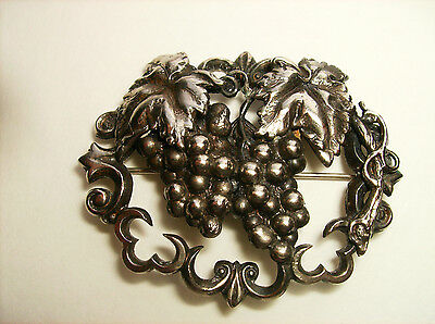 Asthetic silver metal grapevine brooch