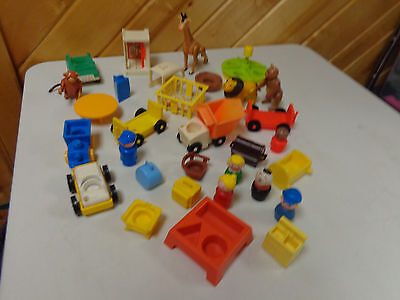 Vintage Fisher Price Little People Mixed Lot Airport Circus Train  25 + Pcs