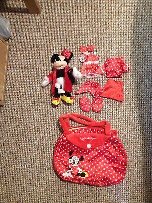 Minnie Mouse Doll In Carry Case.