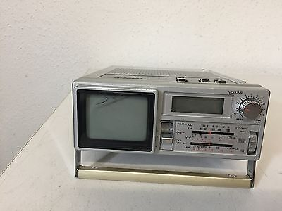 Sanyo  TV TPM2170  AM/FM Quartz Clock Radio