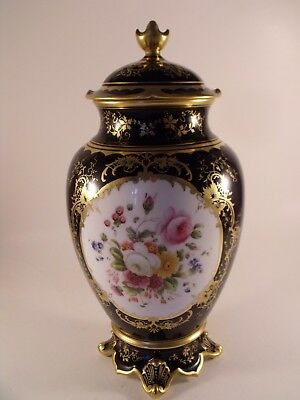 A Fine and Large English Coalport Porcelain Vase and Cover - c1930 - 29 cm high