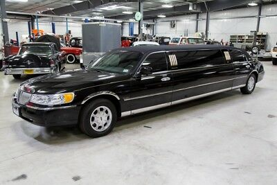 2001 Lincoln Town Car Limousine 2001 Lincoln Town Car Executive Limousine