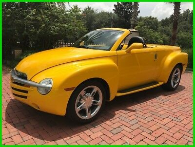 2004 Chevrolet SSR Base Convertible 2-Door 2004 Used 5.3L V8 16V Automatic RWD Pickup Truck Bose Premium