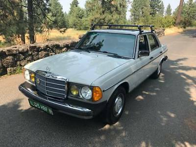 1981 Mercedes-Benz 300-Series W123 Gorgeouse MERCEDES BENZ 300D W123 W/89K Miles Original and Immaculate MUST SEE!!
