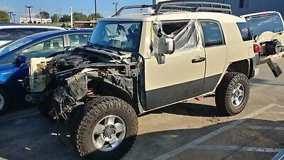 2008 Toyota FJ Cruiser 4X4 SUV 2008 Toyota FJ Cruiser  4x4 Off-Road Package Salvage title