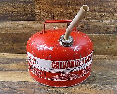 Vintage EAGLE (Model SP-2 1/2 ) 2 1/2 Gallon Galvanized Metal Gas Can USA