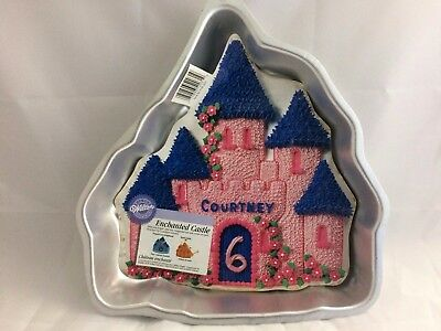 Wilton Enchanted Castle Cake Pan Mold with Decorating Instructions 2105-2031