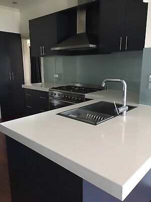 Complete Kitchen With Caesar Stone Benchtop❤️REDUCED❤️PLEASE READ UPDATE❤️❤️