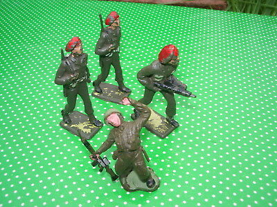 3 vintage CHERILEA plastic RED BERETS Soldiers, 1 vintage HERALD Soldier dying