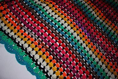 couverture bébé au crochet multicolore