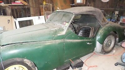 1960 triumph TR3    British Racing Green  Solid Car Great Project