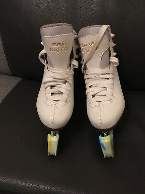 Graf girls ice skate